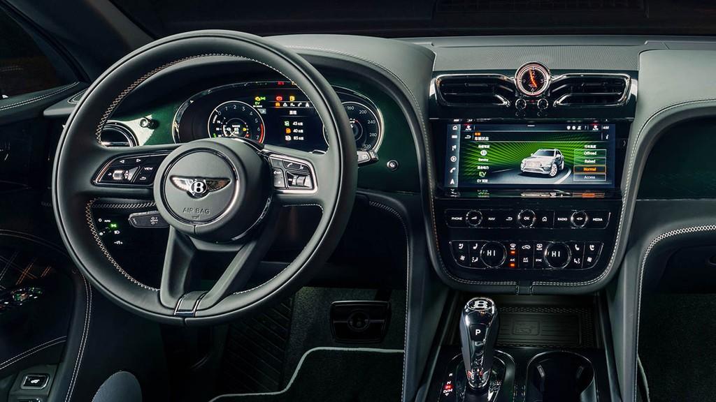 """Chiêm ngưỡng Bentley Bentayga Hybrid Mulliner màu """"Ngọc Lục Bảo"""" siêu đẹp! ảnh 6"""