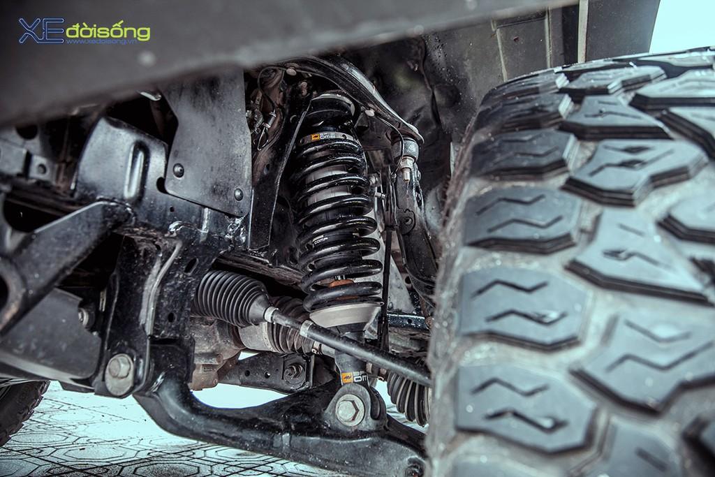 """Xưởng độ Sài Gòn """"biến hình"""" Ford Ranger thành F-150 Raptor siêu ngầu ảnh 16"""