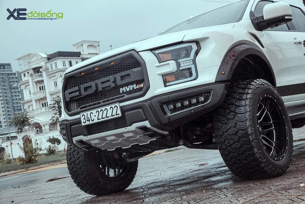 """Xưởng độ Sài Gòn """"biến hình"""" Ford Ranger thành F-150 Raptor siêu ngầu ảnh 8"""