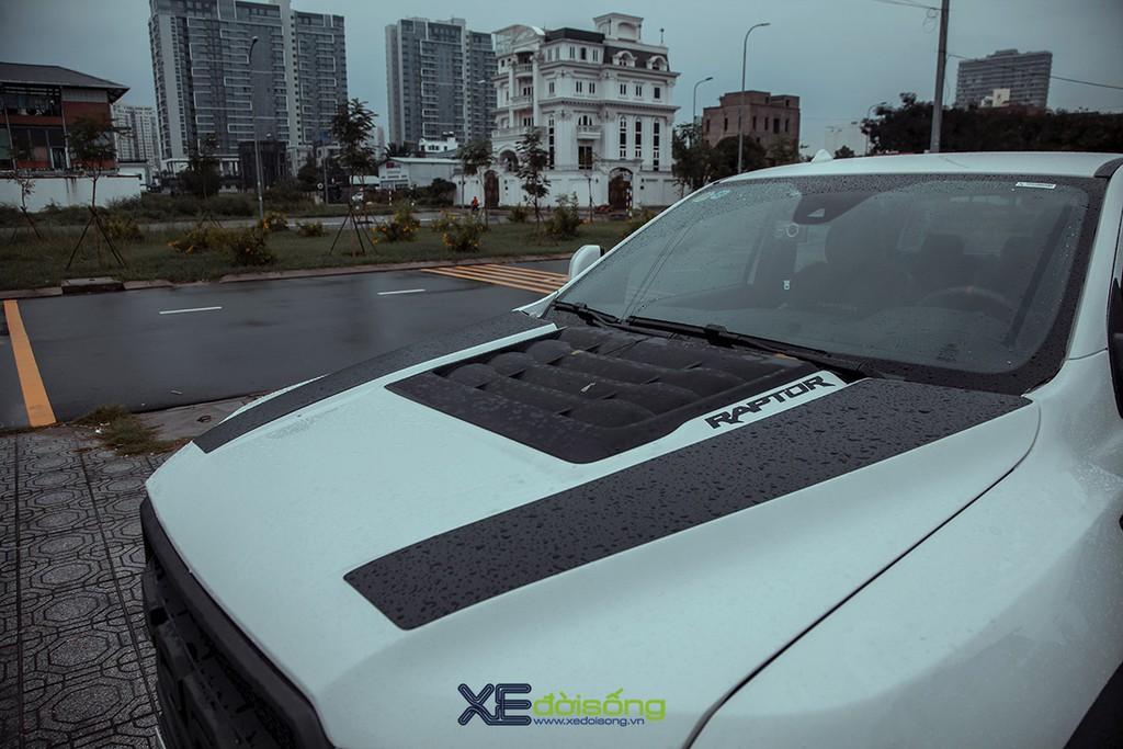 """Xưởng độ Sài Gòn """"biến hình"""" Ford Ranger thành F-150 Raptor siêu ngầu ảnh 9"""