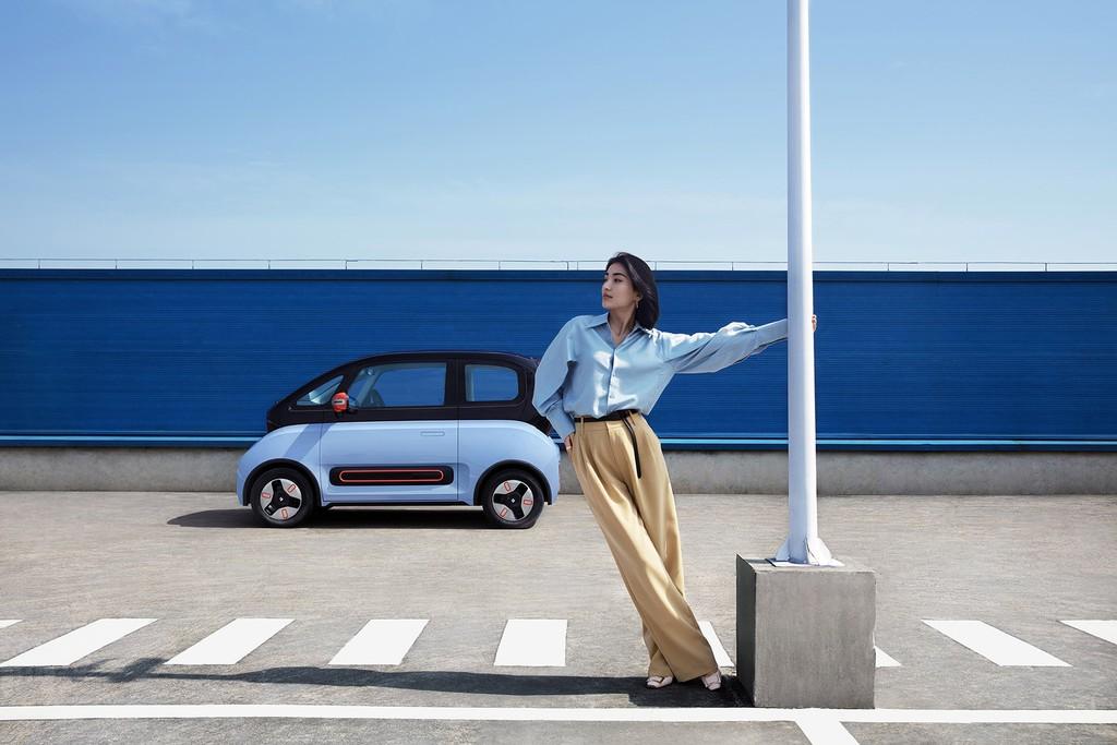 Ngắm KiWi EV cá tính với 6 phong cách thời trang ấn tượng ảnh 3