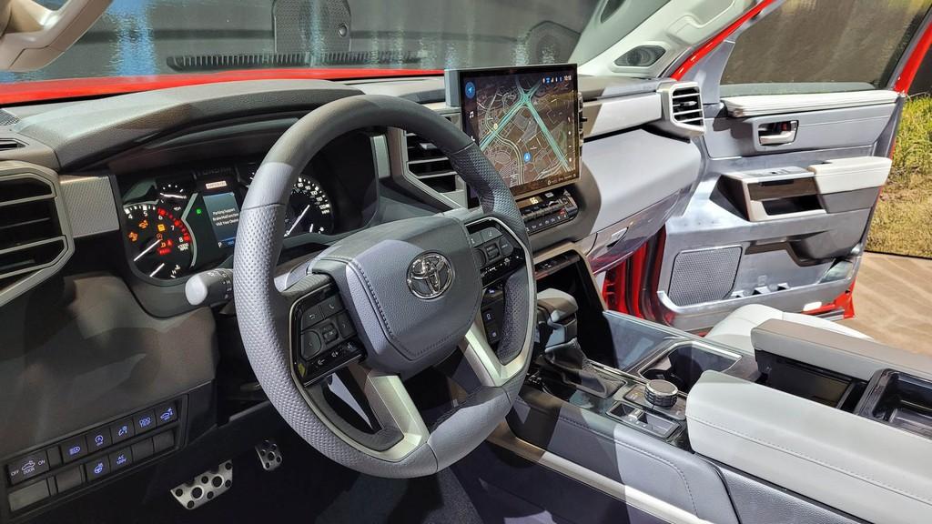 """Cận cảnh bán tải """"full-size"""" Toyota TUNDRA 2022 thế hệ mới vừa ra mắt toàn cầu ảnh 10"""