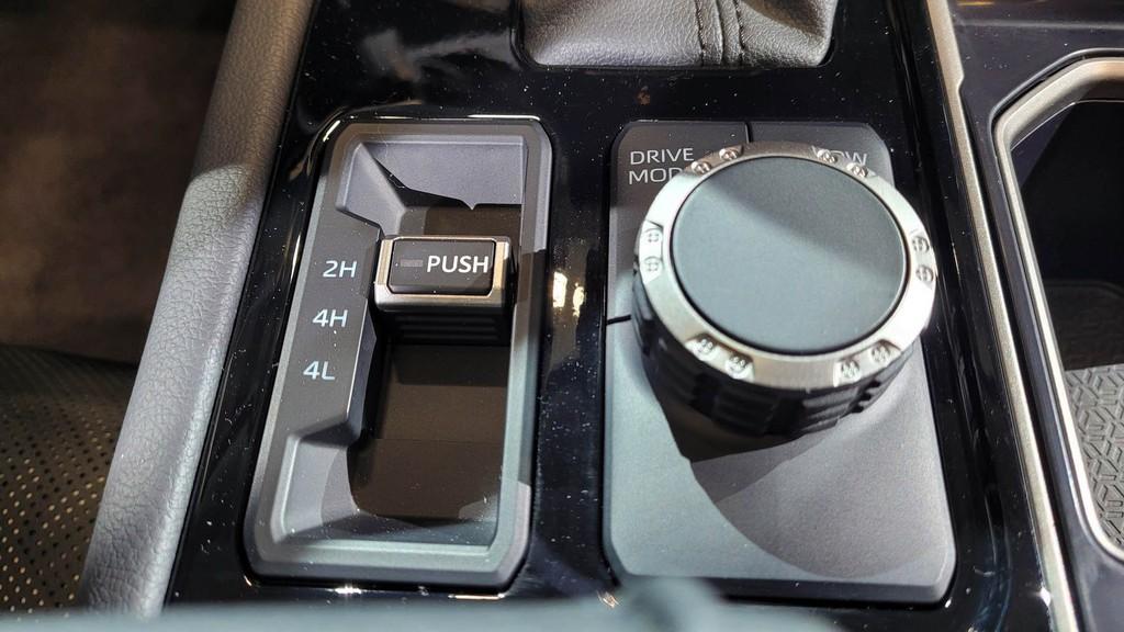 """Cận cảnh bán tải """"full-size"""" Toyota TUNDRA 2022 thế hệ mới vừa ra mắt toàn cầu ảnh 15"""