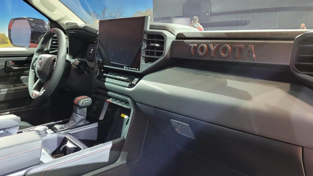 """Cận cảnh bán tải """"full-size"""" Toyota TUNDRA 2022 thế hệ mới vừa ra mắt toàn cầu ảnh 17"""