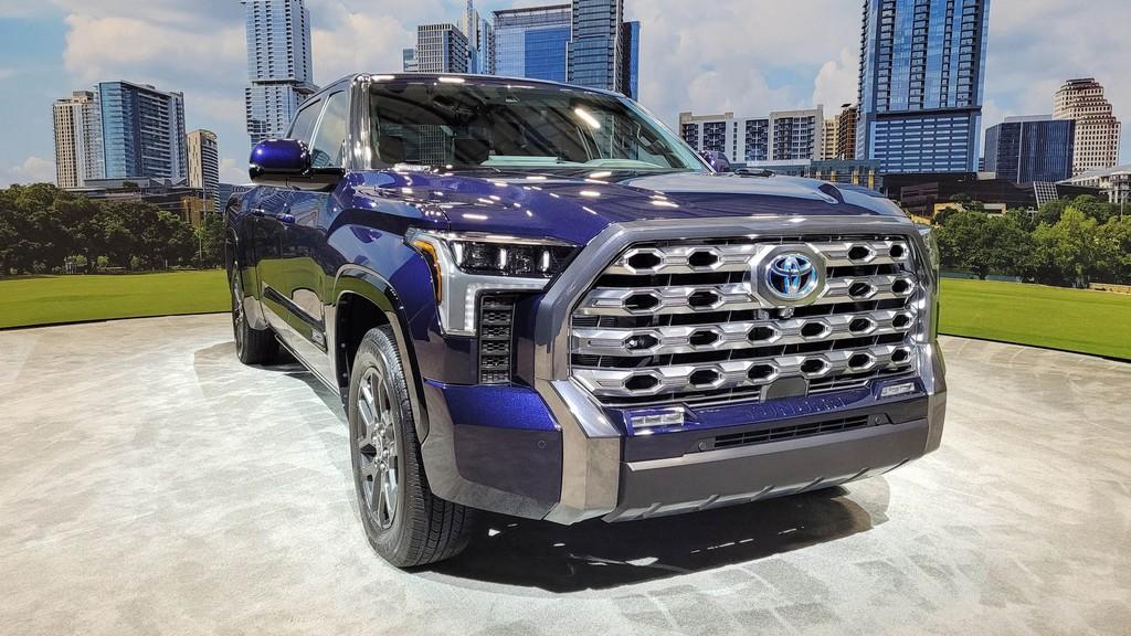 """Cận cảnh bán tải """"full-size"""" Toyota TUNDRA 2022 thế hệ mới vừa ra mắt toàn cầu ảnh 21"""