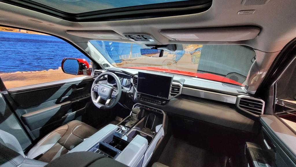 """Cận cảnh bán tải """"full-size"""" Toyota TUNDRA 2022 thế hệ mới vừa ra mắt toàn cầu ảnh 9"""