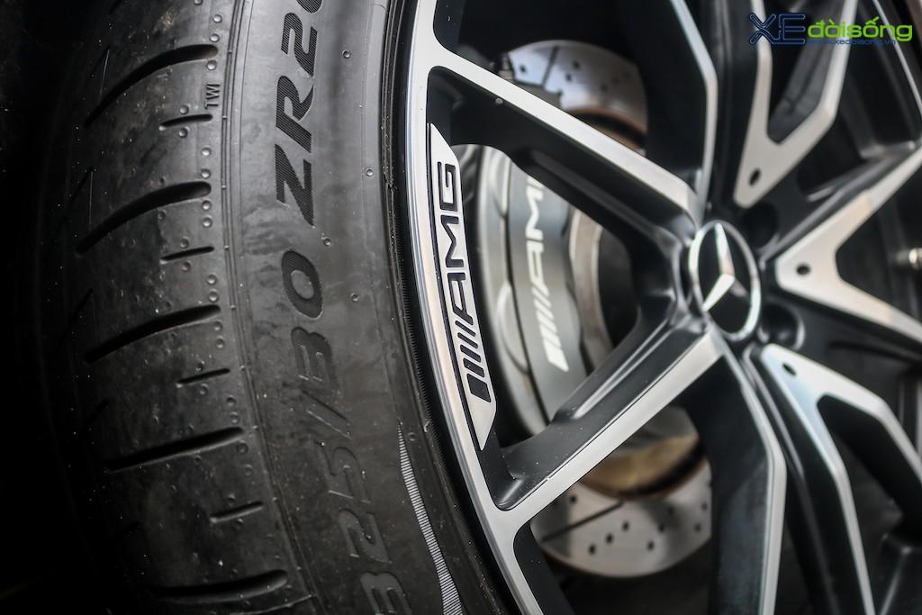 """Siêu xe """"cánh chim"""" Mercedes SLS AMG tại Sài Gòn với nhiều chi tiết mang dấu ấn cá nhân ảnh 10"""