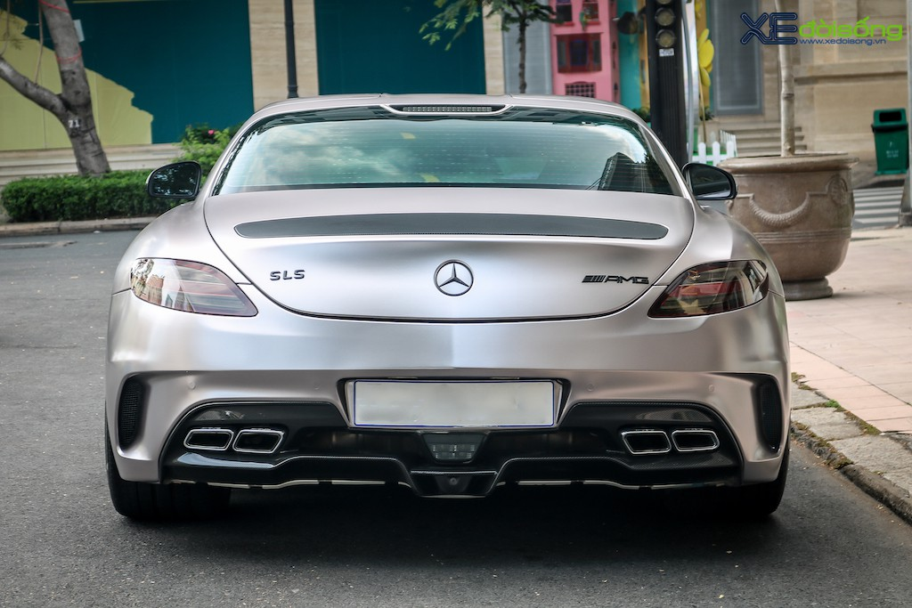 """Siêu xe """"cánh chim"""" Mercedes SLS AMG tại Sài Gòn với nhiều chi tiết mang dấu ấn cá nhân ảnh 5"""