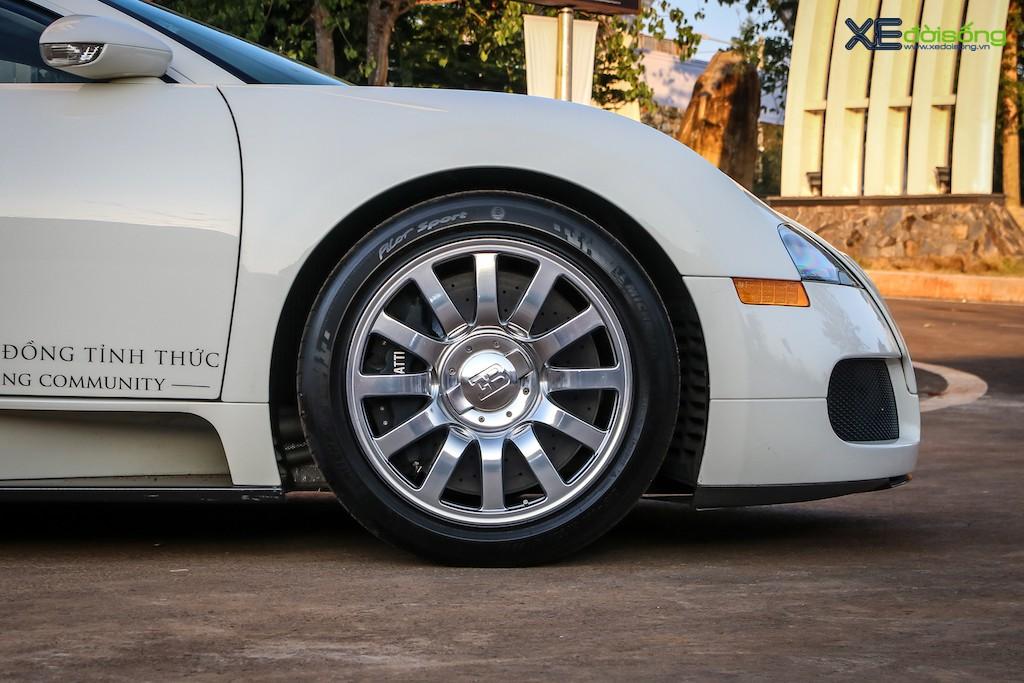 """Khám phá từng ngóc ngách """"ông hoàng tốc độ"""" Bugatti Veyron 16.4 độc nhất Việt Nam ảnh 14"""