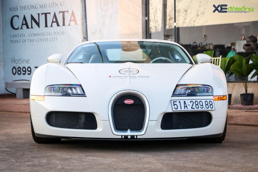 """Khám phá từng ngóc ngách """"ông hoàng tốc độ"""" Bugatti Veyron 16.4 độc nhất Việt Nam ảnh 5"""