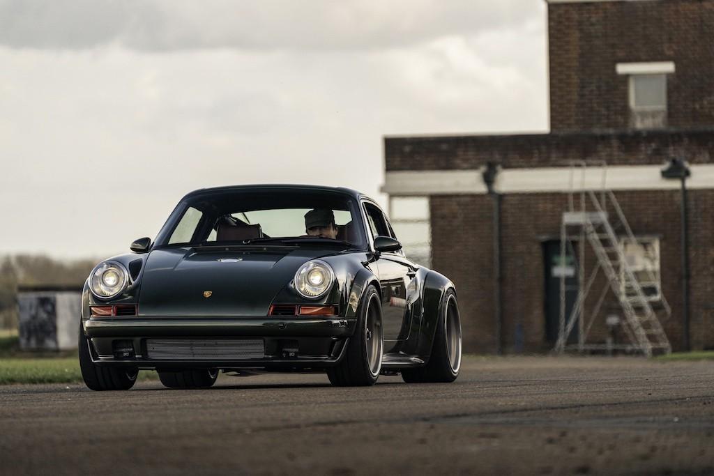 """Siêu phẩm Porsche 911 hoàn hảo từ Singer """"ra lò"""", thét giá lên tới 41,5 tỷ ảnh 1"""