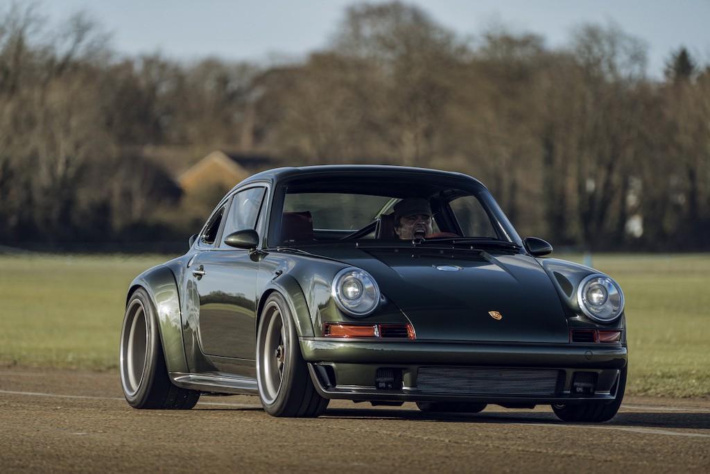 """Siêu phẩm Porsche 911 hoàn hảo từ Singer """"ra lò"""", thét giá lên tới 41,5 tỷ ảnh 2"""