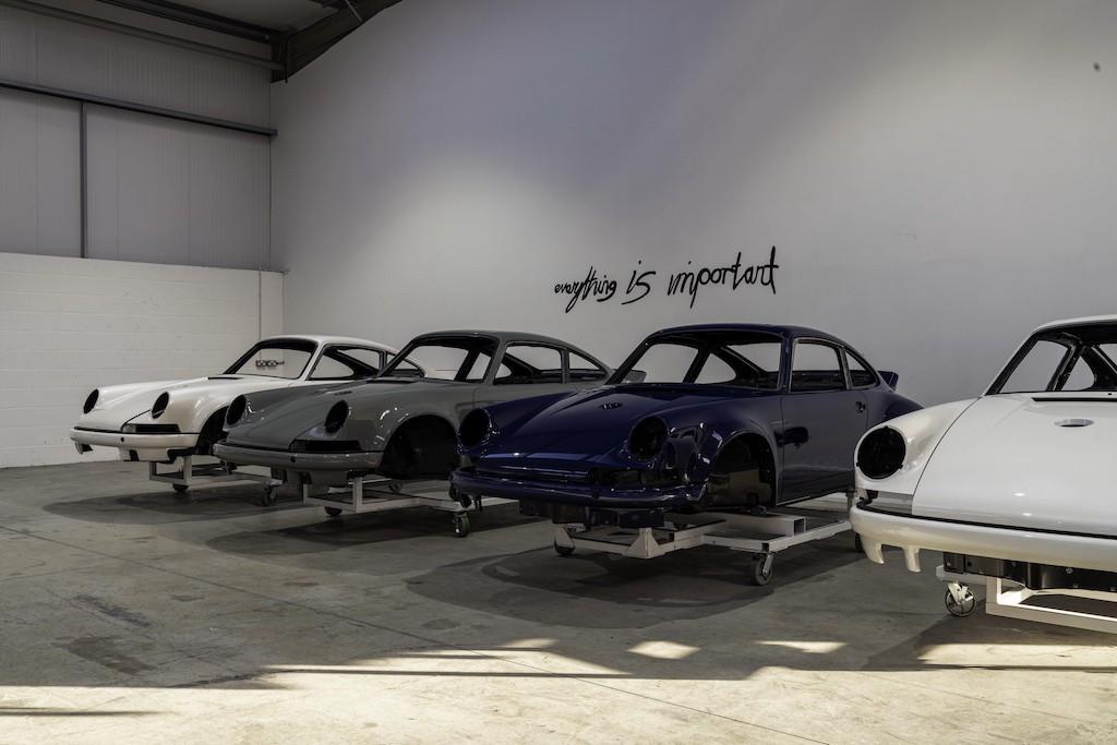 """Siêu phẩm Porsche 911 hoàn hảo từ Singer """"ra lò"""", thét giá lên tới 41,5 tỷ ảnh 7"""