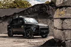 """Land Rover Defender khoác """"bộ cánh"""" Tuxedo Black lịch lãm không kém điệp viên 007"""