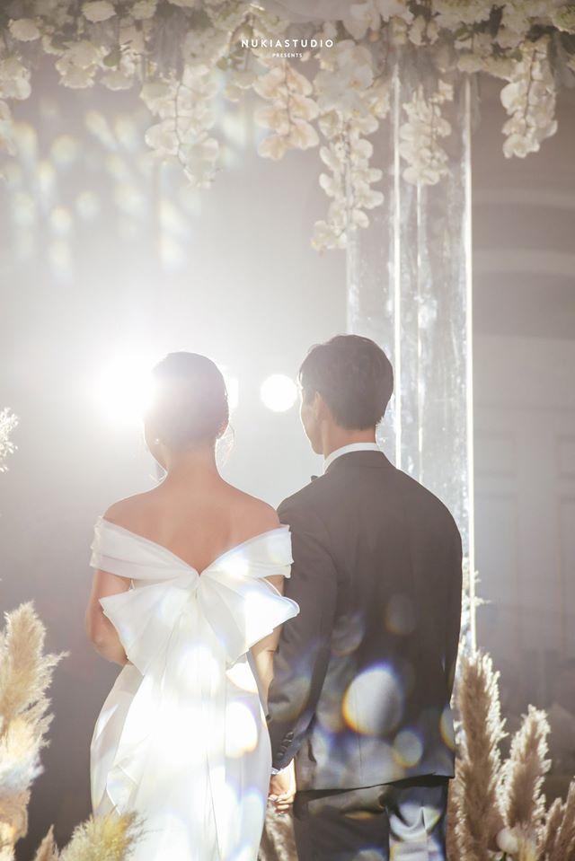 Công Phượng khiến dân mạng 'phát sốt' khi khoe ảnh đính hôn giữa đêm khuya - Ảnh 5.