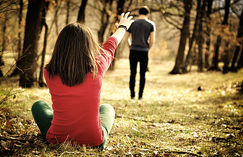 Ngã quỵ khi chồng tương lai đột nhiên hủy cưới - Ảnh 1.