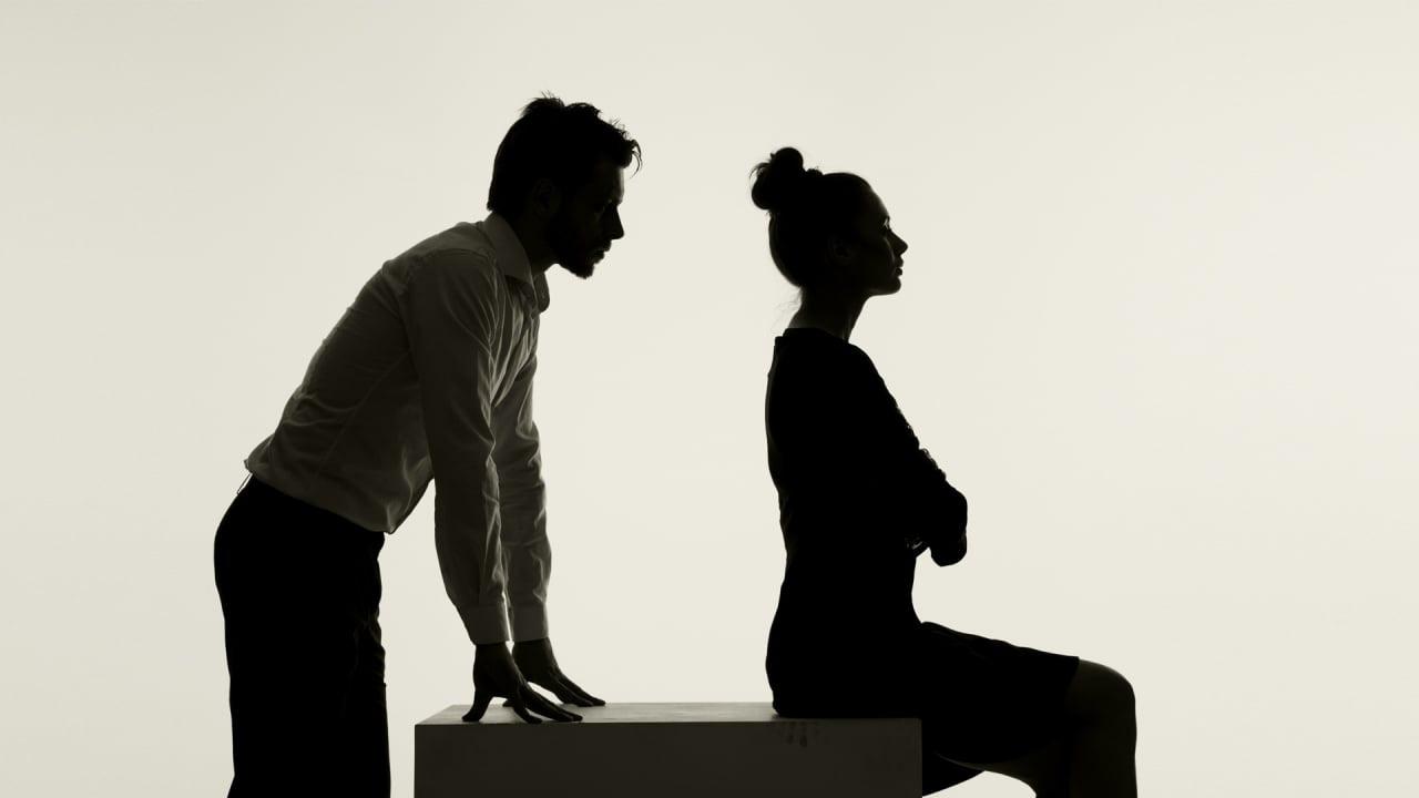 """Nỗi đau bị phụ tình chưa kịp nguôi ngoai, chồng cũ đã lại hết lòng """"đeo bám"""" - Ảnh 1."""