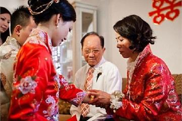 Cho mẹ anh vay 500 triệu, ngày cưới bà đặt vào tay thứ nhỏ xinh gây bất ngờ