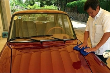Ông Đoàn Ngọc Hải bán ô tô cổ và áo đấu lấy 4 tỷ xây nhà từ thiện