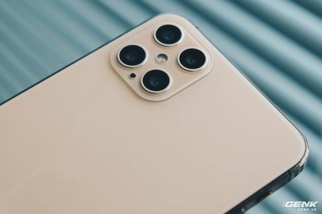 Cảnh giác với iPhone 12 Pro Max hàng nhái chạy Android, giá 2.5 triệu đồng tại Việt Nam - Ảnh 9.