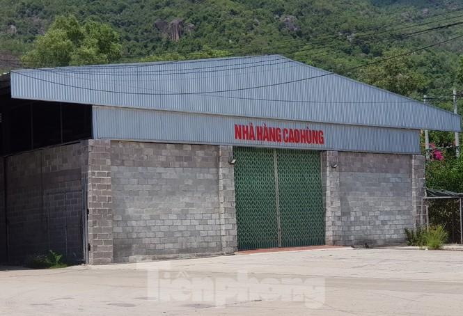 Cận cảnh chuỗi cửa hàng ở Nha Trang xây trái phép chuyên đón khách Trung Quốc - Ảnh 4.