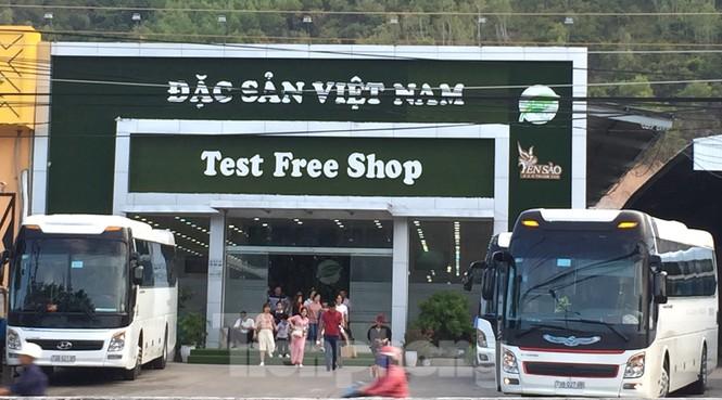 Cận cảnh chuỗi cửa hàng ở Nha Trang xây trái phép chuyên đón khách Trung Quốc - Ảnh 10.