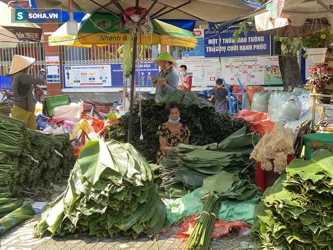 Chợ lá dong đông đúc nhất Sài Gòn chỉ còn vài người bán - Ảnh 1.