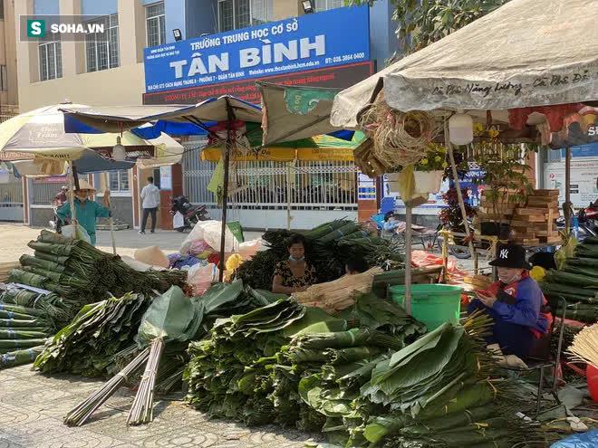 Chợ lá dong đông đúc nhất Sài Gòn chỉ còn vài người bán - Ảnh 7.