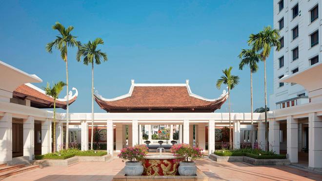 Quá khứ lận đận sau vẻ hào nhoáng của khách sạn Sheraton Hà Nội: Nhân viên bỏ đi vì khủng hoảng kinh tế, bị ông chủ rao bán nhiều năm - Ảnh 2.