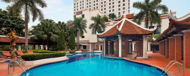 Quá khứ lận đận sau vẻ hào nhoáng của khách sạn Sheraton Hà Nội: Nhân viên bỏ đi vì khủng hoảng kinh tế, bị ông chủ rao bán nhiều năm - Ảnh 3.