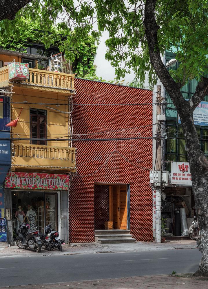 Hồ cá Koi ở Hà Nội trên báo Mỹ - Ảnh 9.