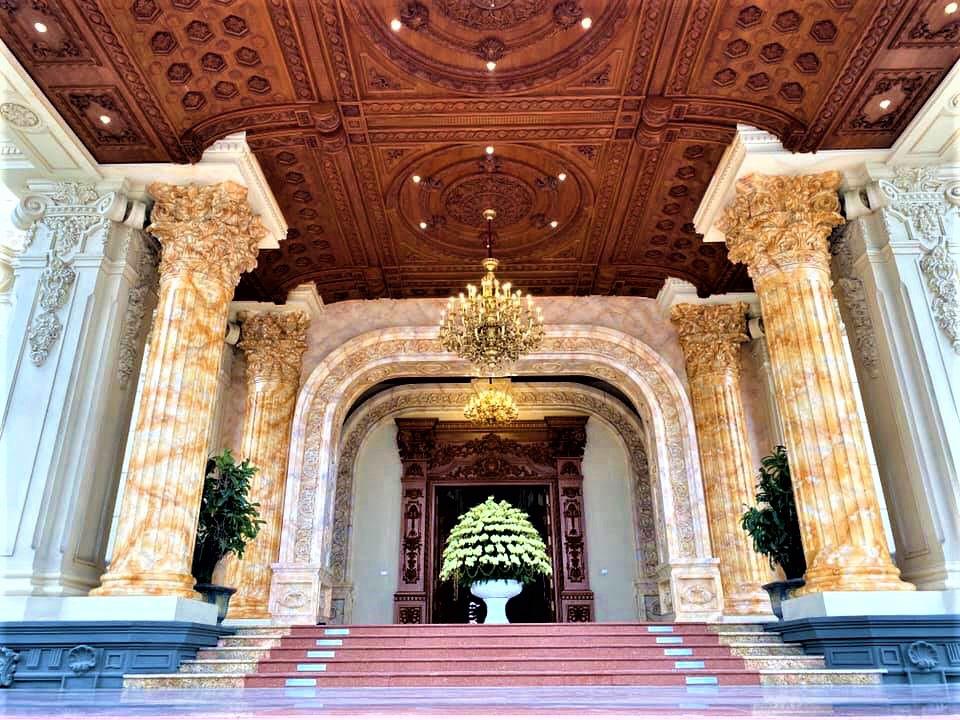 Cận cảnh bên trong tòa lâu đài dát vàng nghìn tỷ của đại gia Ninh Bình - Ảnh 5.
