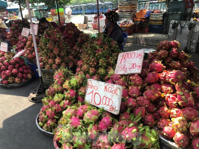 Trái cây mùa hè giá rẻ như cho vẫn ế - Ảnh 8.