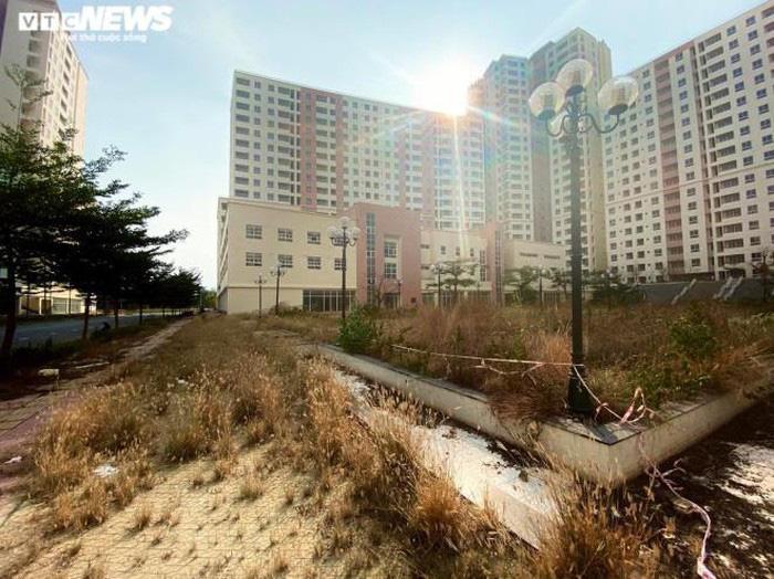 Cảnh u ám của 3.790 căn hộ tái định cư nằm chết giữa lòng TP.HCM - Ảnh 3.
