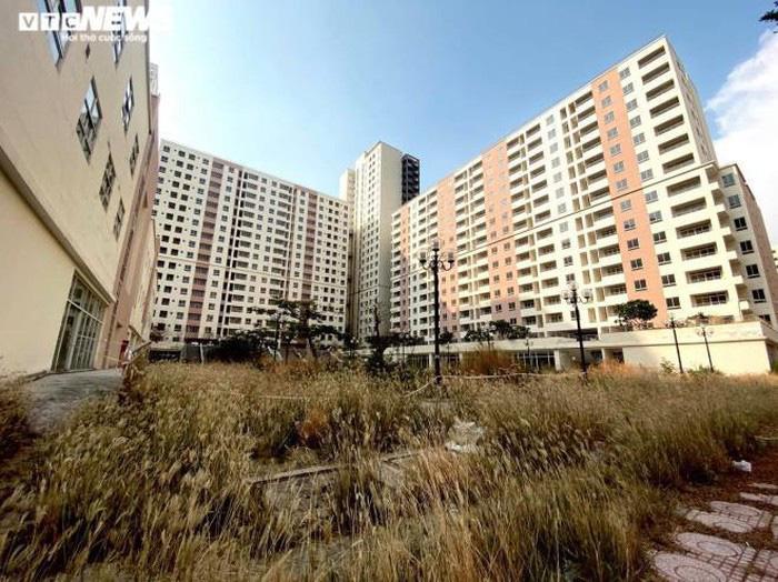 Cảnh u ám của 3.790 căn hộ tái định cư nằm chết giữa lòng TP.HCM - Ảnh 4.