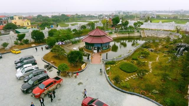 Chiêm ngưỡng lâu đài mạ vàng gây choáng của đại gia Ninh Bình - Ảnh 5.