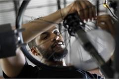 Chuỗi cung ứng đứt gãy từ 'góc nhìn' của chiếc xe đạp 3 bánh: Số hàng 2 triệu USD 'đắp chiếu' chờ đợi một bộ phận 30 USD