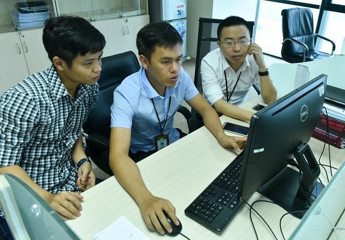 Make in Vietnam: Gia công chỉ kiếm sống, giàu có phải làm chủ công nghệ-1