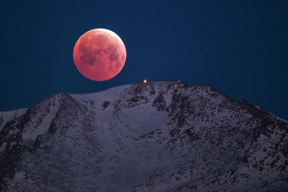Hiện tượng thiên văn 'Trăng băng giá' và 'Nguyệt thực nửa tối' sẽ xuất hiện vào 30/11 Ảnh 1