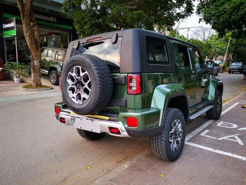 Lo qua dang khi mua xe Trung Quoc khoac ao xe Tay