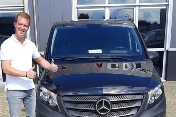 Làm osin tháng kiếm trăm triệu đồng, được tặng Mercedes-Benz