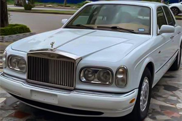 Hàng hiếm Roll Royce Silver Seraph đời 1999 rao bán hơn 7 tỷ đồng tại Việt Nam