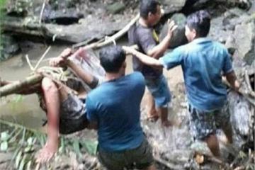 Indonesia: Thương tâm vụ thiếu niên bị trăn dài 7 mét siết cổ đến chết