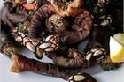 Loại hải sản gớm ghiếc mà giá cao ngất, muốn mua cũng khó