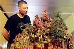 Chiếc bàn gắn hàng nghìn viên đá quý, độc đáo nhất Việt Nam