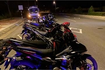 Cảnh sát nổ súng khống chế nhóm đua xe giữa đêm, bắt 8 đối tượng