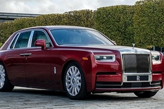 Đấu giá chiếc Rolls-Royce phiên bản Bespoke Red Phantom đặc biệt