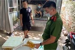 Công an quận Bắc Từ Liêm: Thu giữ nửa tấn gà ủ muối nhập lậu