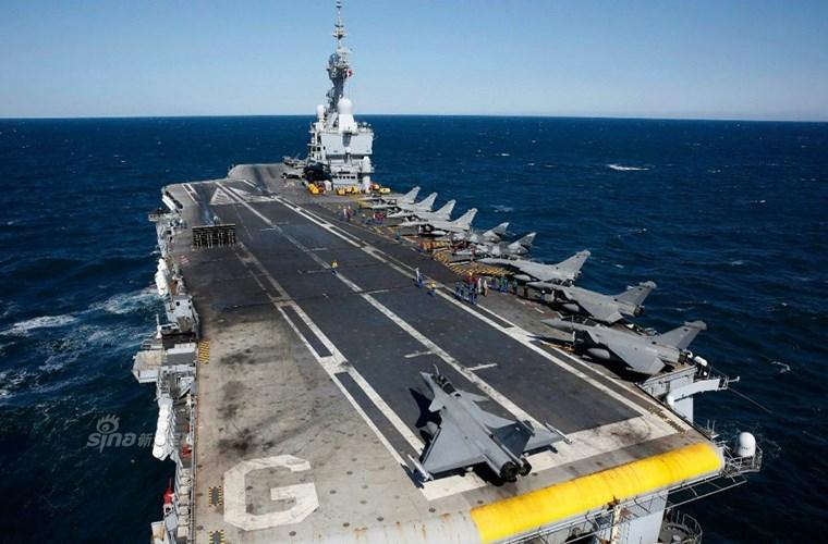 Cận cảnh tàu sân bay của Pháp - căn cứ không kích IS - ảnh 3