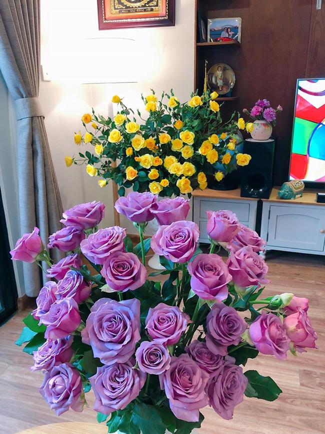 me man voi nhung binh hoa ngap sac xuan cua chi gai ha thanh hinh anh 25
